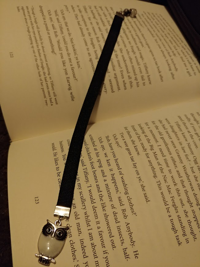Ribbon bookmark with owl charm